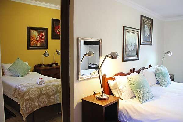 Sunflower Room - Room 13 at Greenleaf Lodge